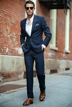 7d5302b2c3e21ddbc2435fe917adf58c--men-in-suits-suit-for-men