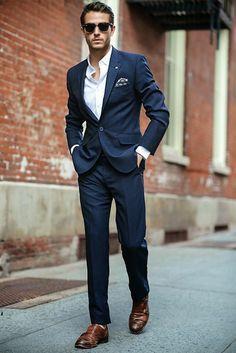 7d5302b2c3e21ddbc2435fe917adf58c--men-in-suits-suit-for-men