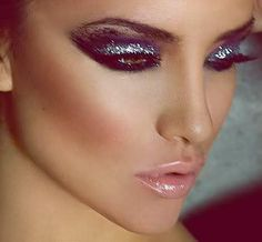Pastel makeup with glitter